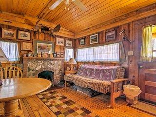 NEW! 'Autumnsong Fireside' 2BR Buena Vista Cabin