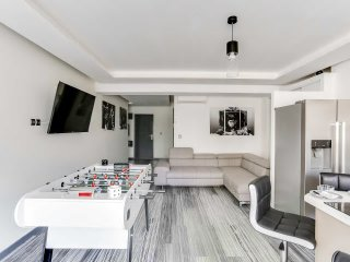 Large and Modern 2 Bedrooms close Martinez