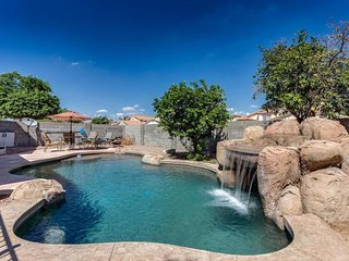 A Desert Oasis! 4bed/3bath with Waterfall Pool! Heated Pool!