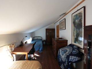 Gladys Garden - Room 3