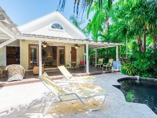 Spacious home w/ private pool - close to attractions & beach, dog OK!
