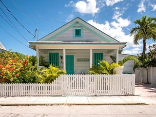 Dog-friendly home w/ convenient location to all Key West must-see attractions!