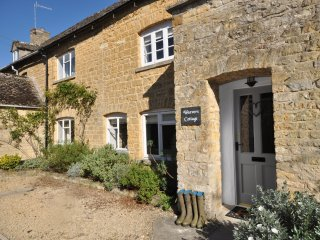 46677 Cottage in Bourton-on-th