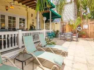 Relax in luxury on historic inn's top floor - shared pool & semi-private deck!