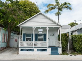 Historic, dog-friendly cottage in the heart of Key West w/ private hot tub