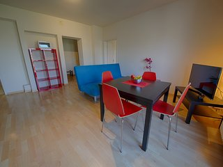 ZH Botteron - Stauffacher HITrental Apartment Zurich