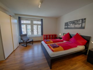 ZH Raspberry l - Oerlikon HITrental Apartment Zurich