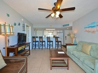 Welcoming, dog-friendly suite w/ balcony views & shared pool/hot tub, & more!