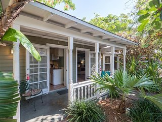 Spacious, dog-friendly rental w/ three hot tubs, near Duval Street and the beach