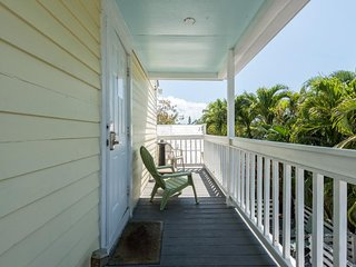 Dog-friendly studio condo w/ deck & free WiFi, in the heart of Old Town Key West