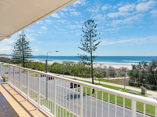 Longbeach 11 - Bilinga/ North Kirra Beachfront