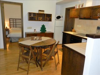 Esquirol 1 apartment in Canillo with WiFi, private parking, balcony & lift.
