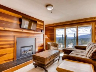 Awesome Value for the Best Views in Summit County - Clubhouse w. 2 Hot Tubs, Poo