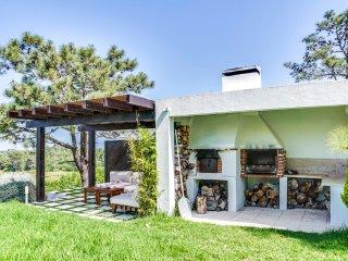 4 bedroom Villa in Gouveia, Lisbon, Portugal : ref 5452395