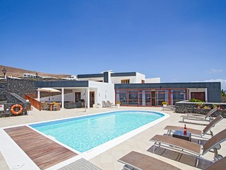 7 bedroom Villa in Playa Blanca, Canary Islands, Spain : ref 5400426