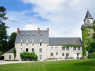 9 bedroom Chateau in L'Abergement-de-Cuisery, Bourgogne-Franche-Comté, France :