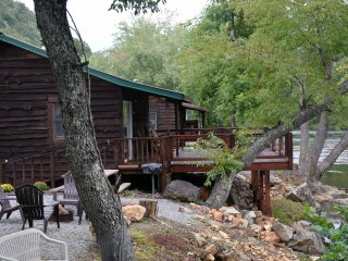 *Special* Gorgeous Riverfront Cabin w/FP and stunning view!!!