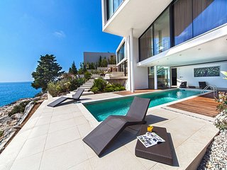 Luxury Villa Biseri Jadrana 1 with pool by the sea in Primosten