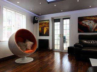 Contemporary 4 bedroom Bungalow