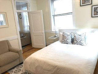 Lovely 1 bd in walkable North End!