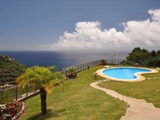Calheta Plaza Bay - Lovely apartment with swimming pool and sea views