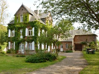 Elegant 6 BR 5 BA Near Normandy Beaches