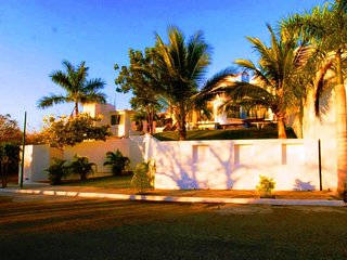 Villa Paraiso in Residencial Conejos just a short walk from the beach !!!