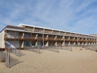 Beach Place North 18 ~ RA56573