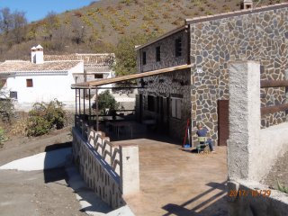 Casa Luisa, beautiful peaceful chalet between vineyards and hills