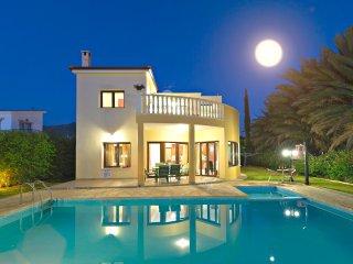 Argaka Beach Villas - 5 Lovely VIllas - Private Pool - Pool Table - Heated Pool