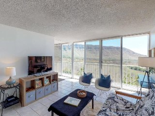 First class condo w/shared pool, tennis courts, stunning views, & natural beauty