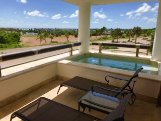 LUXURY APARTMENT CAP CANA WITH SPA, POOL, GOLF, SEA VIEW