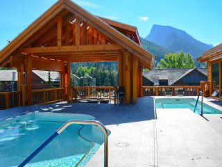 NEW Bright + Spacious Rockies Getaway | Great Location, Hot Pools!