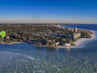 Gulf Frontage with Access, Private Pier on Siesta Key, 2-Level Condo w/Renovatio
