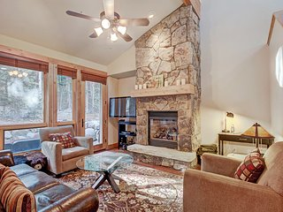 Luxury 4 Bedroom Townhome Nestled in the Forest!