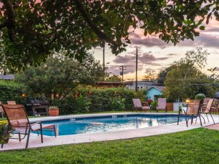 Modern Condo 15 Mins to Downtown Austin & the Lake