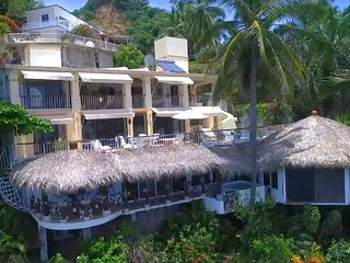 Villa Paraiso, 6 bedroom, 5 bath Villa.    Cook, maid and caretaker included.