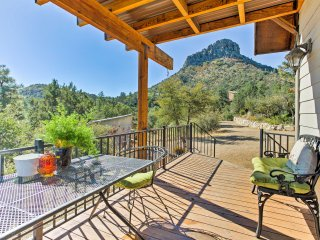 NEW! 1BR Prescott House w/ Loft & Views of Thumb Butte!