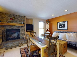 Alpine getaway with shared hot tubs, easy hiking & ski-in/ski-out access