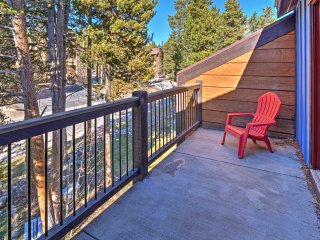 NEW! 2BR Breckenridge Townhome - Walk to Ski Lift!