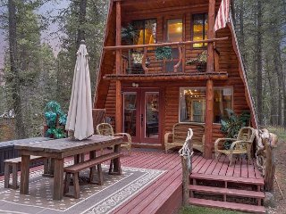 Magical Cabin! ATV Trails - Mountain Riding - Free Garbage Pickup and WiFi...