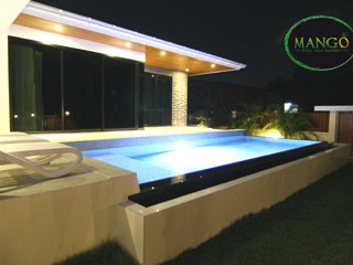 The LED lights, tiles and luxury stone bring you to an unforgettable warm ambiance with cozy feeling