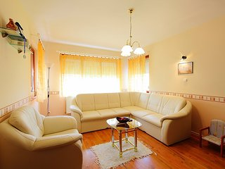 Apartment 520 m from the center of Balatonszemes with Parking, Terrace, Garden