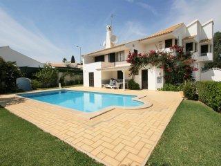 Villa Emilie - 5 + 1 Bedroom Detached Villa- Large Private Pool & Gardens