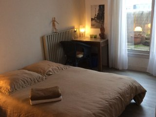 Homestay guest room in Paris, 19th arrondissement of Paris, at Hassina's place