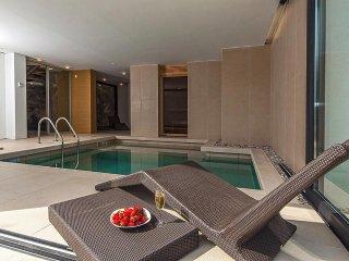 Luxury Villa Biseri Jadrana 4 with pool by the sea in Primosten