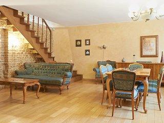 Two-floor One-bedroom apartment in Latako1