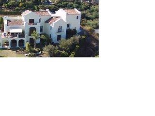 Stunning views Luxury Villa, close to Puerto Banus and Marbella
