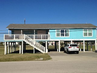 Galveston Beach House Rental, Beachside, 2nd row, 4/2, sleeps 11