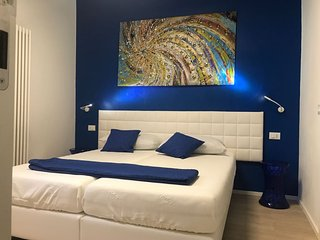 SUITE COLOR VERONA B&B BLUE , VICINO FIERA E CENTRO CITTA'